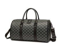Homens Duffel Bag Estilo de Luxo Grande Capacidade Portátil Lightweight Tote Ginásio Sacos de Viagem Homens Business BAC Baggage Totes Designer Carta Carta Imprimir Handbags