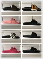 2021 Hausschuhe Farbe Paris Luxus Designer Sliders Herren Womens Sommer Sandalen Strand Schieber Hausschuhe Damen Flip Flops Müßiggänger Himmel Blaue Chaussures 35-46