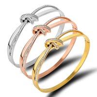 2021 Liebhaber Frauen Bangle Europe Amerika Japan und Südkorea Gold Armband Edelstahl Schmuck Schlammbohrer Bogen Armbänder 110 W2