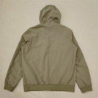 Yeni Gelenler 19FW Q0222 Yumuşak Shell-R Ceket Fashional Sonbahar Kış Ceketler Işık Tasarımcısı Erkek Ceket Moda Kazak Siyah Yeşil Çamur 3 Renkler S-3XL