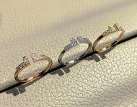 2021 الأزياء الحب المجوهرات S925 الفضة الاسترليني حلقات الإسورة للنساء المفتوحة الماس روز الذهب إلكتروني t نمط عيد الميلاد الاشتباك الحب خواتم للنساء