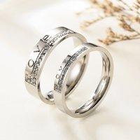 Fashion Cubic Zircon Lettrage Bague en acier inoxydable Couleur Argent Design Romatic Love Wedding Engagement Anneaux Couple Valentine Day Anniversary Cadeau