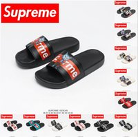 Top Qualité Suprême Suprize Design Hommes Sandal Sandals Sandals Sandal Sandal Street Slande Couple Slipper Modèles Slide Mode Police 3D Font 36-46 Taille avec boîte