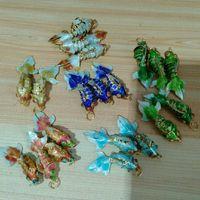 Bonito pequeno esmalte colorido peixe charme diy jóias fazendo suprimentos handcrafted cloisonne koi carpa peças de pingentes braceletes Brincos de colar 200 pcs / lote