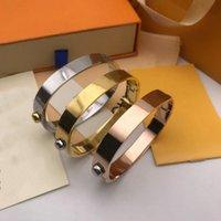 Bijoux de créateurs Bijoux Love Bangle Rose Gold Silver Steel Inox Luxe Simple Croix Motif boucle Aimatrices Femmes Mens H Bracelets Marque De Bracelets