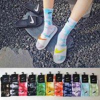 Kravat boyalı çorap sonbahar ve kış pamuk kadın orta çorap 11 renk erkek uzun spor çorap
