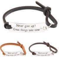 Eosmer justerbara läderinspirerande gåvor för eleverna tjejer kvinnor män uppmuntran armband säger aldrig ge upp stora saker ta tim