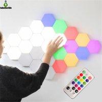 Renkli DIY Kuantum Işık Dokunmatik Sensör Renk Değişen Gece Lambası 6 adet 10 adet Modüler Altıgen LED Duvar Yatak Odası