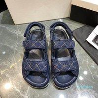 Designer Sommer Frauen Luxus Sandalen Mode Gute Qualität 11 Farben Leder Hakenschleife Flat Heeel 35 bis 41