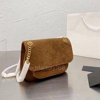 Premium Classic Design Landado Niki Messenger Bag Bolsas Bolsas de sobre Sobre Dealsin Gold Hardware Logotipo grande Embellished Ladies Daily Casual Commuter Package