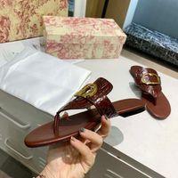 58 여성 패션 여름 신발 슬리퍼 낙서 샌들 로고 상자가있는 소 가죽 가죽 신발 플랫 슬리퍼 home011 59