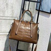 2pcs Crossbody M80446 Brown Womens Utility Pu Bag Shoulder Designer Mens With 2sets Cross Sporty Bags Body Wallet Monograms HandBag Can Qoej