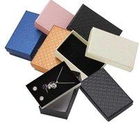 Caja de joyería de 32 piezas Caja de anillo de collar de 8x5cm para joyería Multi Colores Joyas Embalajes Cajas de regalo Pendiente Pantalla Black Sponge T200917