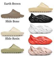 2021 Sandalet Slaytlar Terlik Köpük Koşucu Çöl Kum Üçlü Siyah Kemik Beyaz Reçine Slayt Sandal Erkek Terlik Kutusu