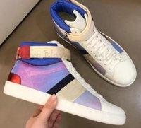 Ass bestickte High Top Top Designer Schuhe Weiße Bienen Herren Frauen Leder Luruxys Designer Sneaker Grüne und rote Streifen High-Top Casual Shoe