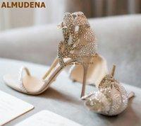 حذاء اللباس اللمونينا الشمبانيا حجر الراين حجر الراين الخنجر الكعوب الصنادل الزفاف بلينغ فراشة شكل مضخات الكريستال الأزهار