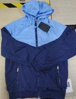 Designermens Jacket Hooded Street Esporte Padrão de Futebol Casaco Suéter Esportes Windbreaker Jaquetas Homens Roupas S-2XL Atacado
