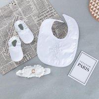 Haarschmuck 3 Stück Baby Lätzchen Set geborene Mädchen Weiße Taufe Taufe Lätzchen Schuhe Stirnband Anzug Infant Stickerei Burken Tuch Bandana Schal