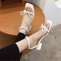 2021 New Summer New Luxury Women Open Toe Pearl Sandals Designer White Silver Block Low High Heels Sandals Gladiator Party Shoes
