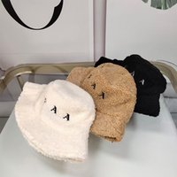 2021 New Women Hat Designers Hats Bucket Caps Wool Beanie Luxury Mens Womens Winter Fisherman Cap Triangle Mark Casquette Tiuso