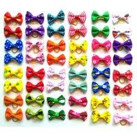 Joli chiot chien petit bowknot arcs avec bandes de caoutchouc accessoires de cheveux Bow animal de compagnie produits todos