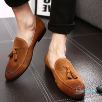 Designer- Casual Shoes Leather Cow Suede Tassel Men Loafers Designer Brand Slip On Dress Shoes Oxfords Shoes For Man Red Sole