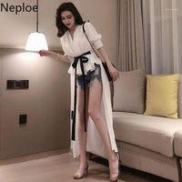 Neploe 2020 Nuove Donne Camicie irregolari lunghe Mezza manica V Neck Black Bianco Slim Blusatops Fashion Asimmetrica Camicetta femmina1