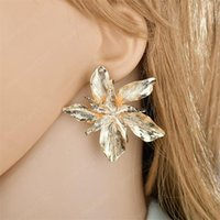 女性のためのエレガントなゴールドローズゴールドビッグフラワースタッドイヤリングのためのファッション誇張された金属の声明のイヤリング