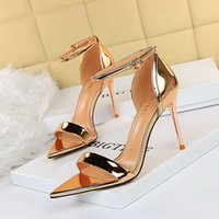 Classic Women Mens Marca Fondos rojos Tacones Altos Patente Plataforma de cuero Peep-Toes Sandalias Diseñador Zapatos Zapatos de boda de lujo