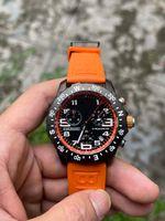 Migliore qualità Casual Watch Dial Black Dial VK BATTERY Cronografo Movimento al quarzo Orologi da polso Orologi da uomo sullo orologio in gomma arancione DP Factory 1884