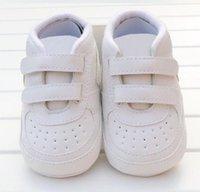 Первый Уокер Высококачественные кроссовки Новорожденные Baby Girls Boys Мягкая подошва Обувь Малыш Дети Предатель Младенческая Повседневная Обувь