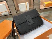 A4 파우치 S 잠금 남자 클러치 백 트렁크 걸쇠 고급 디자이너 모노그램 양각 Macassar 캔버스 가죽 S- 잠금 마그네틱 폐쇄 핸들 가방 플랩 M80582 M80560