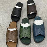 Designer Sandal Sandal Foch Mules Slides Sliches Hommes Brown Brown Ostrich Cuir Sandales plats en cuir d'autruche Imprimer une large chaussure de sangle transversale avec encadré 282