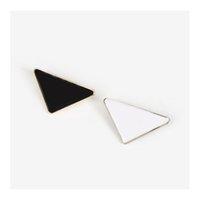 Металлический треугольник треугольник булавка женская девушка черная брошь костюм буква брошь белый отворот аксессуары ювелирные изделия мода nngrl