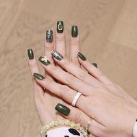 False Nails 24Pcs Set Fake Olive Green 3D Butterfly DIY Slider Mid-Length Artificial Nail Art Decoration For Manicures