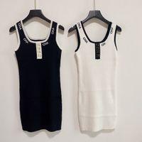 2021SS Robe tricotée de marque Femme Grande Qualité Femmes Designers Vêtements Black Casual Robes Haute Haute élasticité