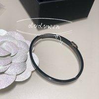 Opzione colore VIP Braccialetto di moda in titanio acciaio C Bangle Classic Party Polsino con sacchetto di polvere
