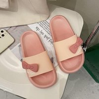 Тапочки Qweek Летние Женщины Сандалии Обувь Розовые Каваи Плоские Флапсовые Шкалы Бабочки Каблуки Платформа Слайды пляжа Корейский скользкий
