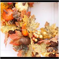 Flores decorativas grinaldas de grinalda artificial quadro de rattan com bagas de abóbora pinho cone e maple folhas halloween thanksgivi fgv8p