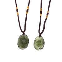 قلادة القلائد حجر الزجاج الطبيعي الكريستال الأخضر جوهرة مولدافيت قلادة نيزك