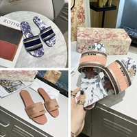 NEW2021 Paris Kadınlar Lüks Tasarımcılar Sandalet Terlik Moda Yaz Kızlar Plaj Bayan Sandal Slaytlar Flip Flop Loafer'lar Seksi Işlemeli Ayakkabı Büyük Kutusu Ile