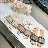 2021 Summer Floral Designer Slippers Tacón bajo brocado Flip Floop Sandals Sandaletas Mujer # Cuero Rubber Beach Zapatos Mocasines 35-41
