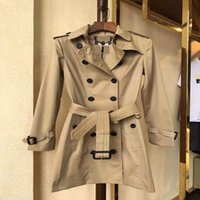 Manteljacke Trench-Mäntel für Frauen Gürtel Tasche Revers Mantel Luxus Designer Kleidung Frau Styles Lange Übergroße Klassische Mode Hohe Qualität Herbst