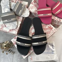 Diseñador de lujo Cuero Sandalias de mujer Sandalias de verano Playa Playa Mujer Big Cabeza Zapatilla Arco iris Letras Zapatillas con Tamaño 35-42