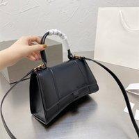 2021 أكياس مصمم حقائب جلدية الرملية حقيبة يد المرأة حقيبة يد نسائية أربعة لون حجم 23 * 15 سنتيمتر قابلة للطي هدية مربع التعبئة والتغليف