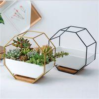 Macetas macetas metálicas de metal plantador blanco simple octagonal geométrico pared colgante cerámico flor de cerámica bambú bandeja marco de hierro 2135 v2