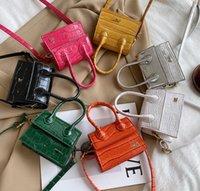 Lüks Kızlar Timsah Tahıl Çanta Çocuklar Metal Mektup Crossbady Çanta 2021 Tasarımcı Çocuk Bir Omuz Çantaları Kadınlar Mini Çanta A6712