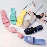 Lüks Bayan Sandalet Slayt Tasarımcı Terlik Şeker Renk Düz Yüksek Topuklu Kauçuk Sandal Terlik Jöle Ayakkabı Çevirme Açık Plaj Ayakkabı Çizmeler Seatshoes
