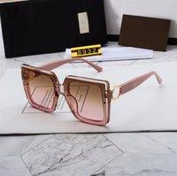 Occhiali da sole di lusso Polarized Design classico di modo per gli uomini DONNE DONNA PILOTA Occhiali da sole UV400 Eyewear Telaio in metallo Lente Polaroid 8932 con scatola