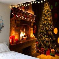 Рождественский гобелен дерево и камин теплые семейные стены висит на стене фон домашняя комната украшения подарок занавес драпов